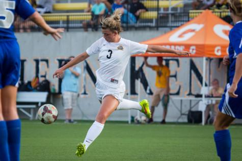 Soccer teams off to a hot start