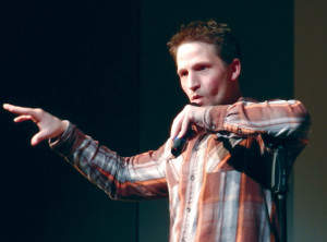 Laugh out loud: Comedian humors audience