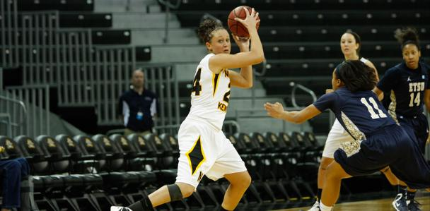 Kayla+Thacker+prepared+for+a+fast+break+against+the+Lady+Bucs.+Thacker+led+the+Norse+in+scoring%2C+shooting+4-9+from+behind+the+arc.