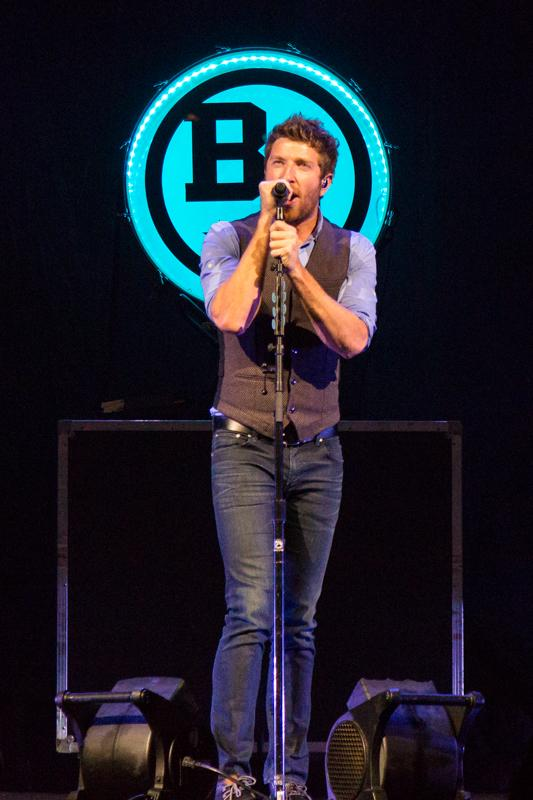 Brett+Eldridge+performs+at+the+Bank+of+Kentucky+Center.+He+opened+for+Little+Big+Town+on+Nov.+9%2C+2014.