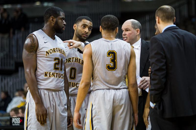 Dave+Bezold+talks+to+his+team+during+NKU%27s+match-up+against+North+Florida+on+Jan.+22%2C+2015.+Bezold%27s+final+record+at+NKU+was+194-133.