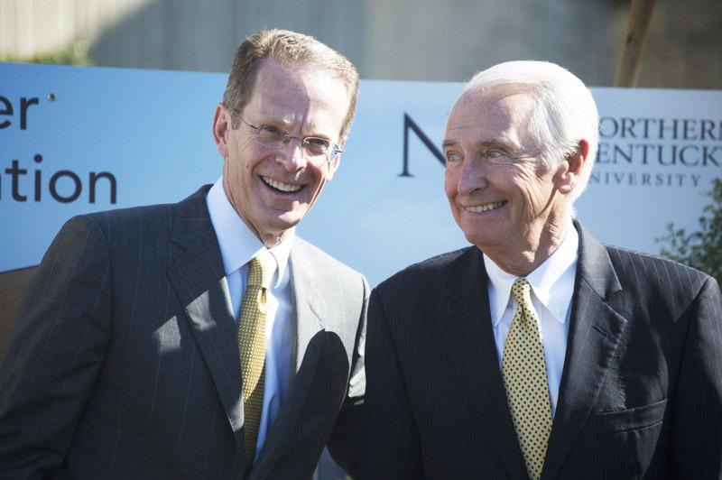 President+Geoffrey+Mearns+%28left%29+and+Governor+Steven+Beshear+%28right%29+at+the+groundbreaking+of+the+HIC.+