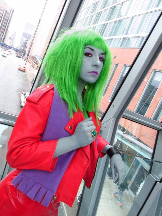 Kerner is portrayed at Kitty from 'Danny Phantom' here. Sometimes cosplayers need to use wigs since their natural hair color doesn't match the character.