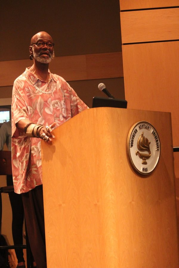 Professor Daryl Harris recites a poem from Langston Hughes and gives a speech to freshman R.O.C.K.S scholars.