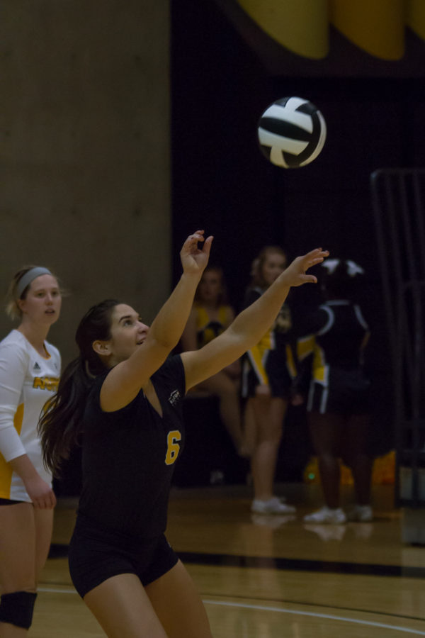 nku-volleyball-vs-cleveland-3