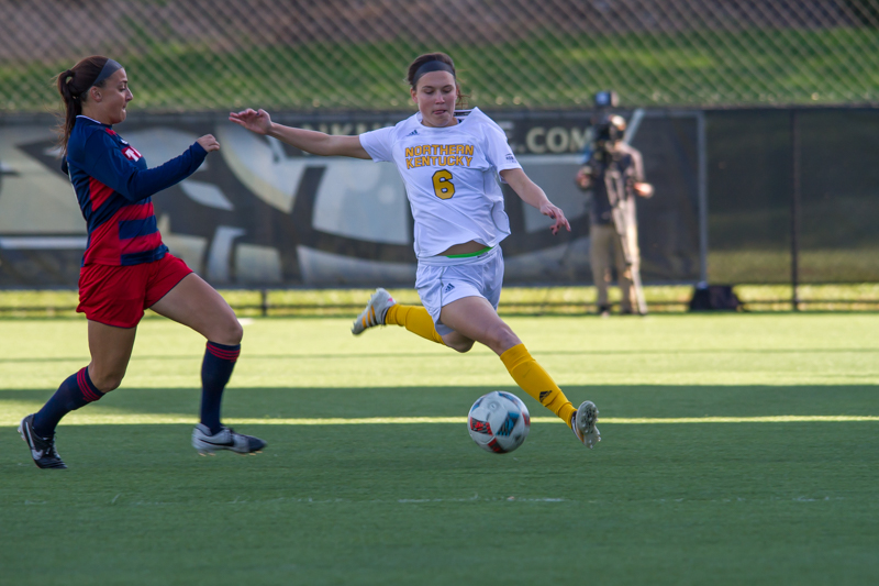 Ally Perkins dribbles down the field against Detroit Mercy. The Norse tied 1-1 with the Titans.