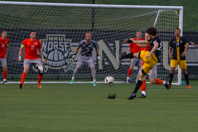 Campbell+Morris+takes+a+shot+on+goal+against+Bowling+Green.+He+scored+a+goal+but+the+Norse+lost+2-1