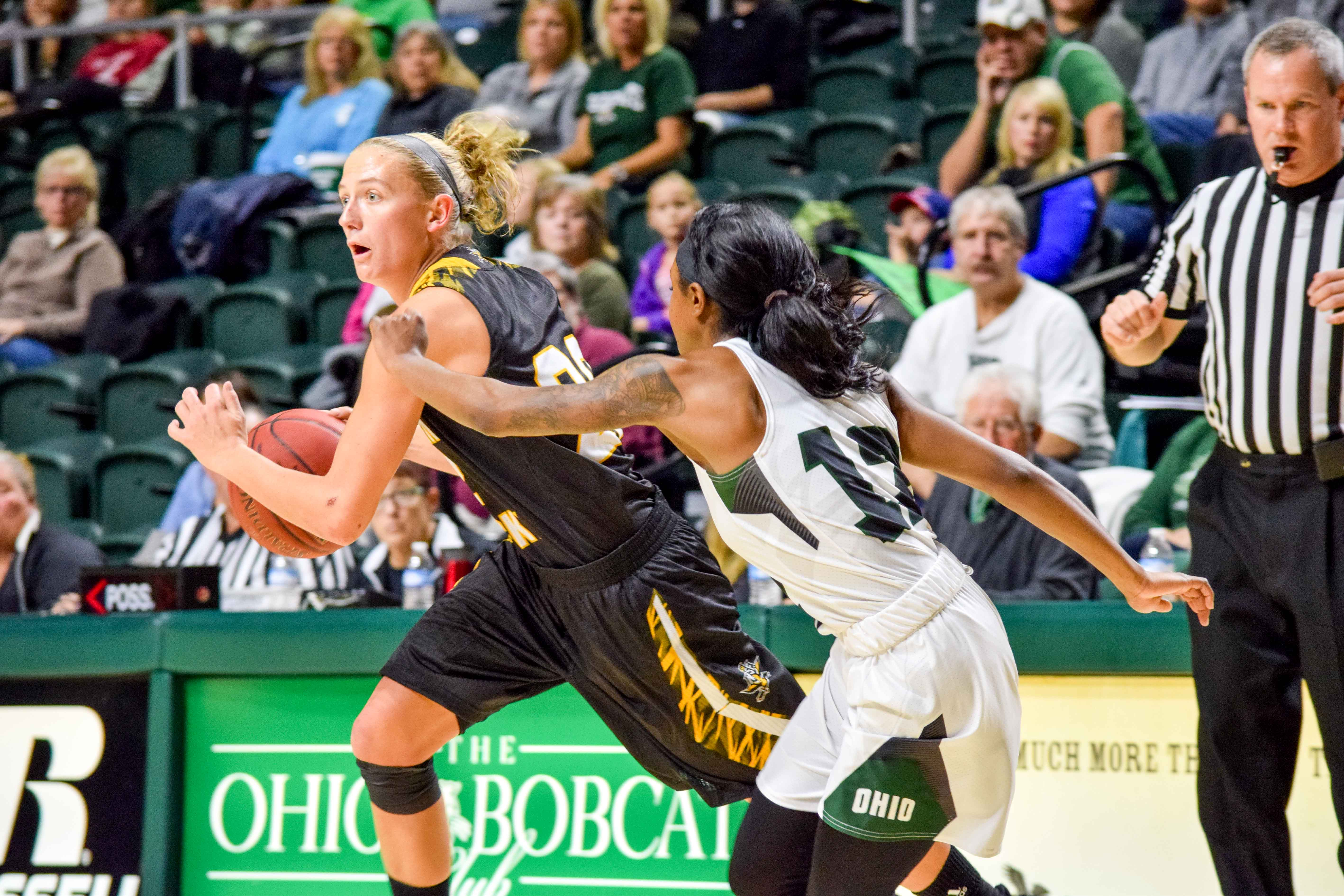 Kelley Wiegman (22) had 13 points Thursday against Green Bay.