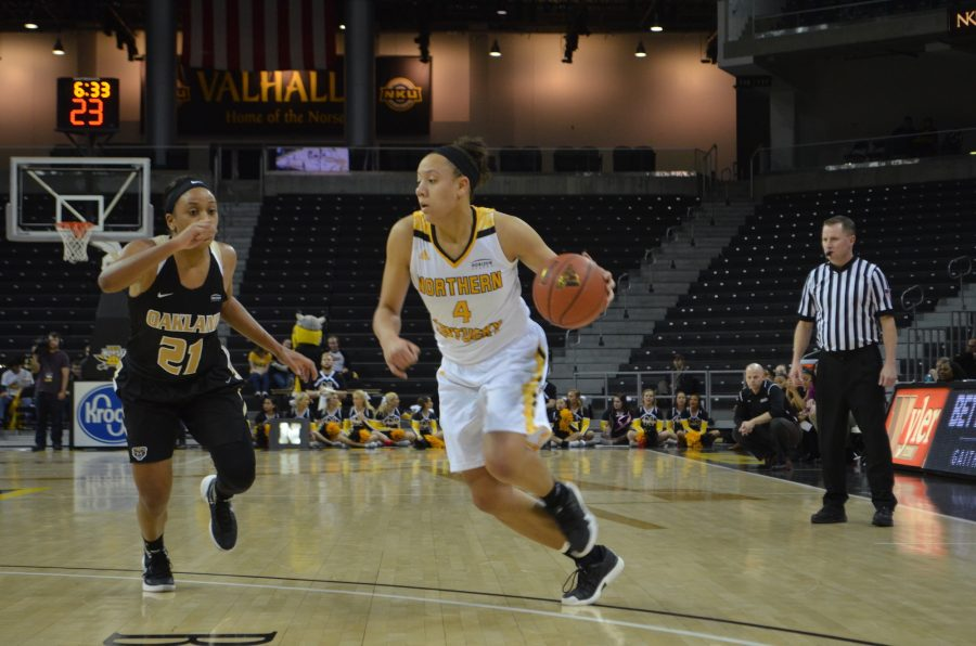 NKU%27s+Mikayla+Terry+drives+to+the+basket+against+Oakland+on+Friday+night.