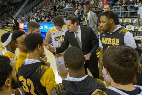 Brannen signs contract extension with NKU