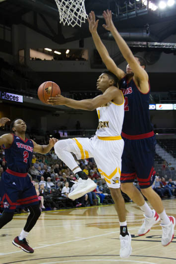 Mason Faulkner scored a career high 29 points in the win against Detroit Mercy Sunday afternoon