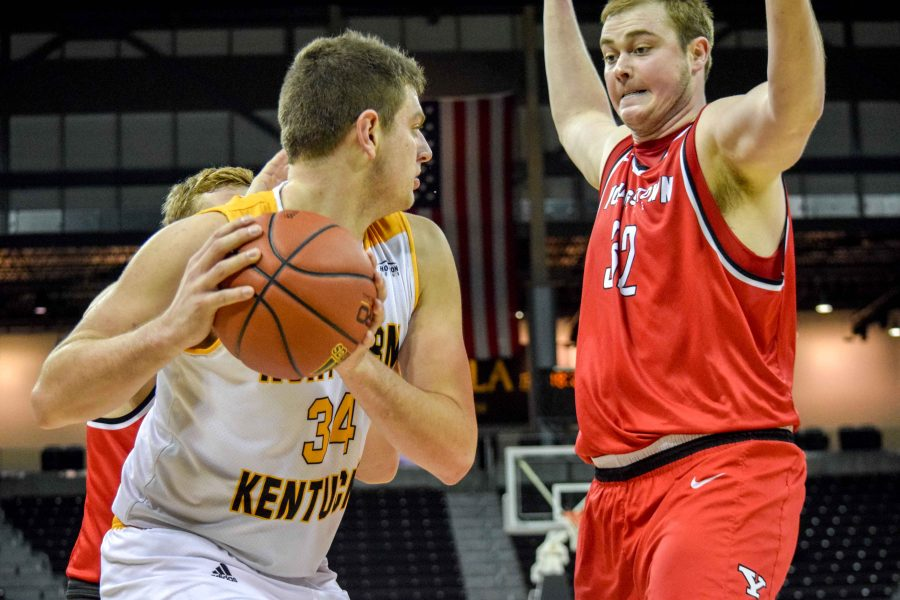 Drew McDonald (34) looks to pass to a teammate during Thursday's win over Youngstown State.