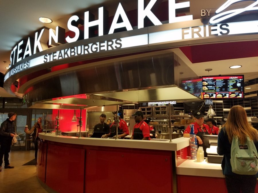 NKU%27s+Steak+%27n+Shake+is+now+open+for+business+in+the+Student+Union.