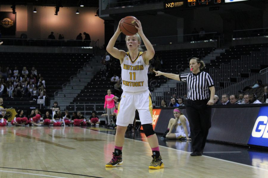 NKU's Taryn Taugher looks to pass.