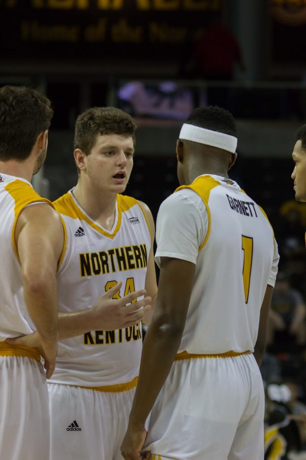 Drew+McDonald+%2834%29+talks+to+Jordan+Garnett+%281%29+during+a+game+last+season.