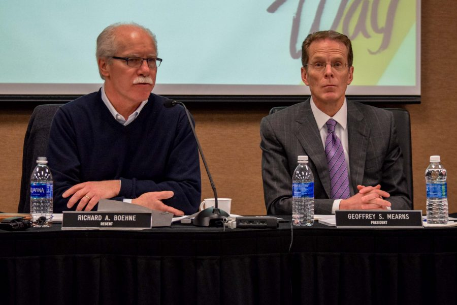 Rich Boehne (left), chair of the Board of Regents, and Geoffrey Mearns (right), president of NKU, during Tuesday's Board of Regents meeting.