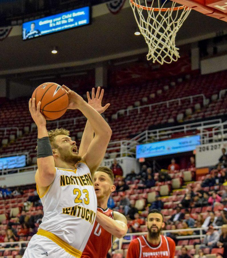 Carson Williams (23) goes up for a shot during Monday's Horizon League semifinal win over Youngstown State.