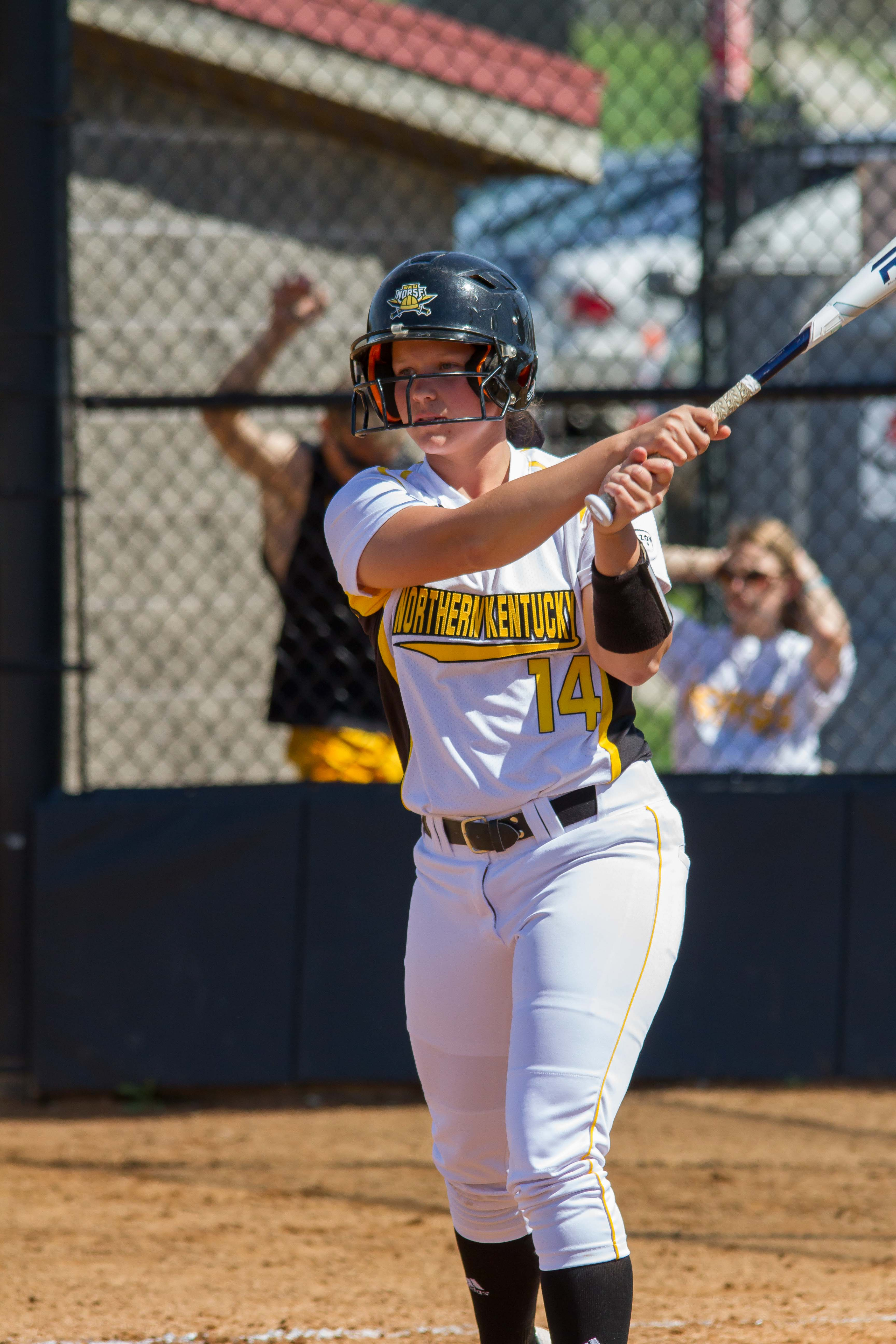 Alina+Maher+prepares+for+her+at+bat+against+Youngstown+State