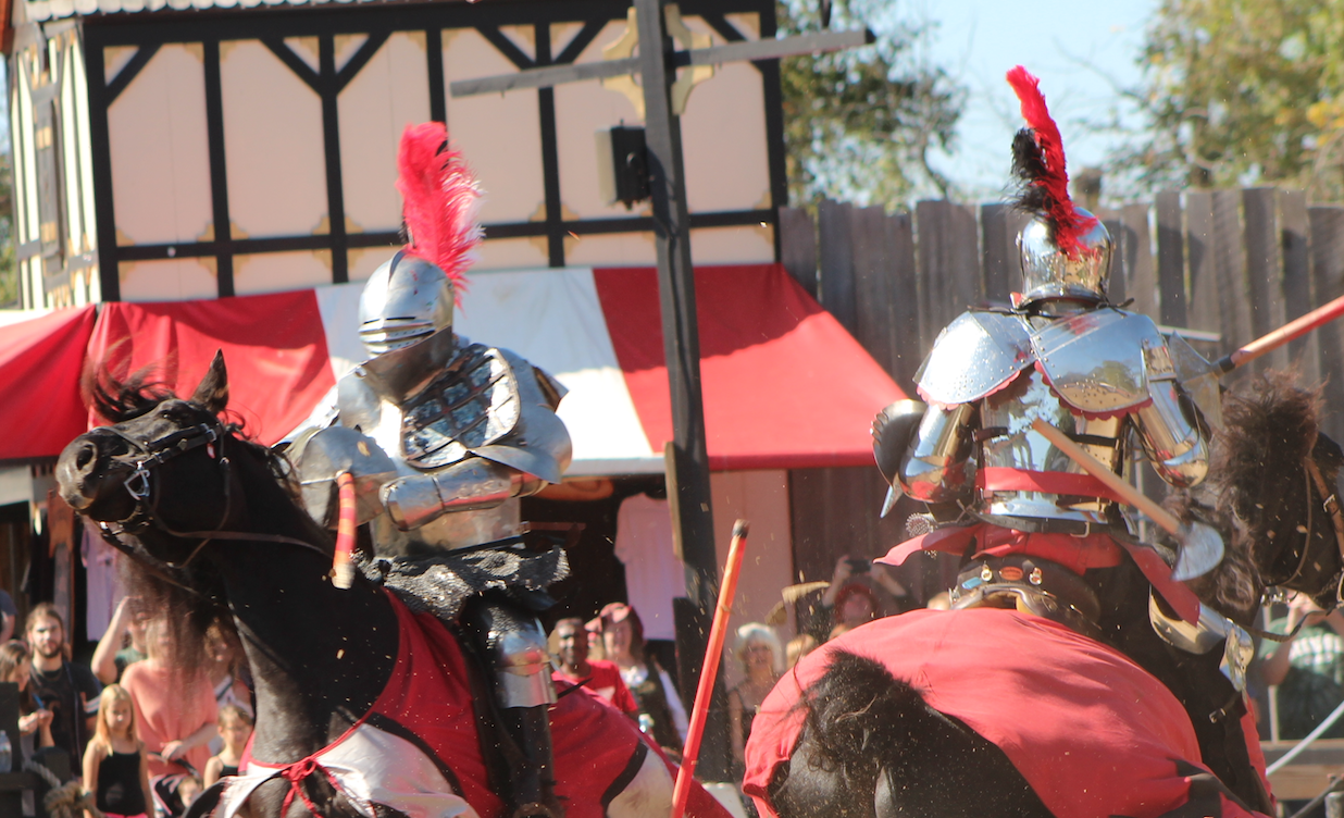 Lances+splinter+apart+as+knights+joust+at+the+Ohio+Renaissance+Festival+on+Oct.+14.