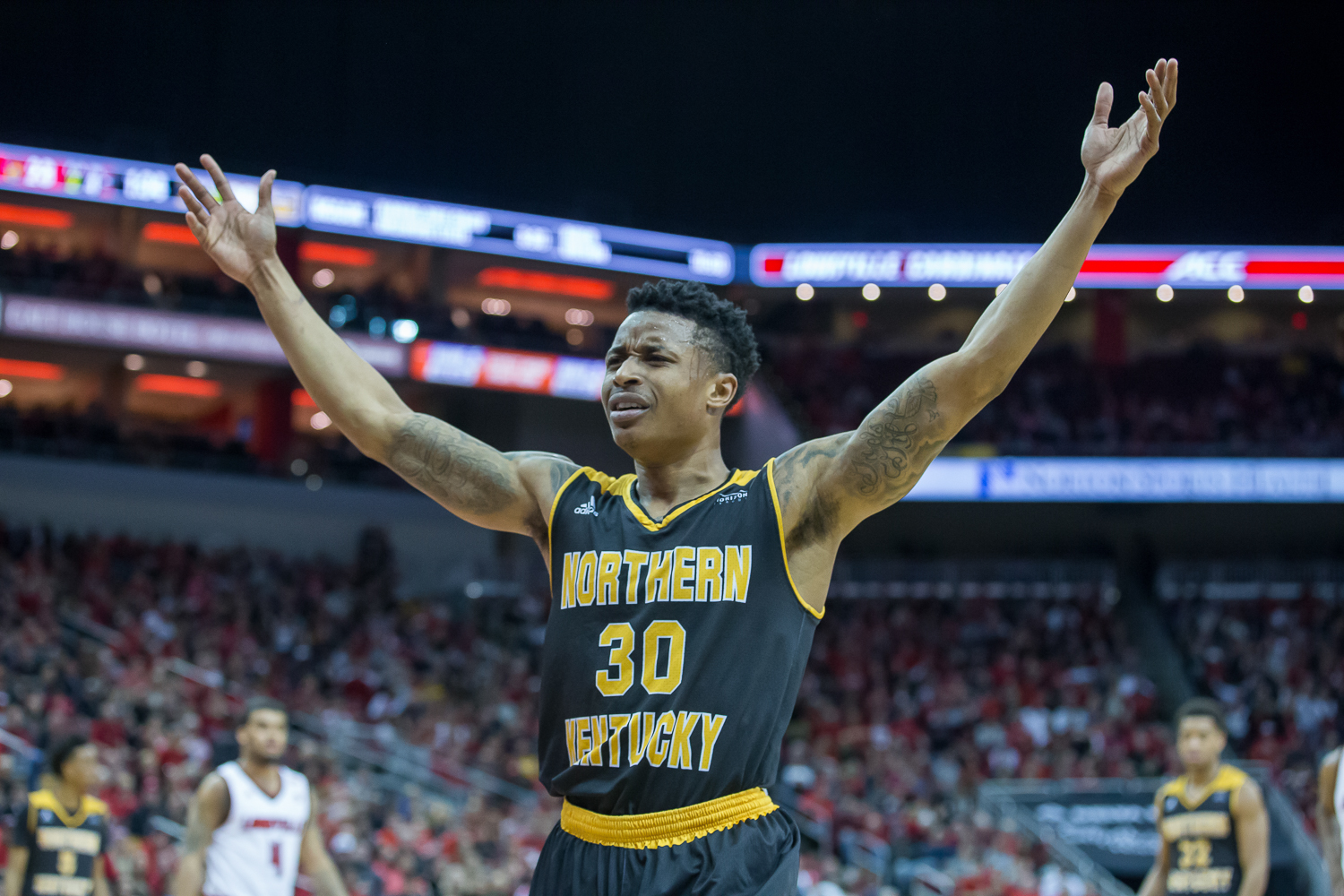 Lavone Holland II (30) reacts to a call during the game against Louisville.