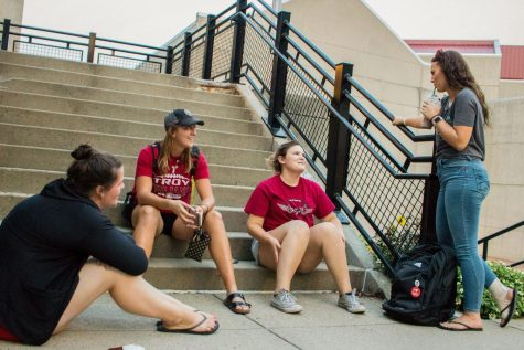 NKU students hanging out near Steely Library.