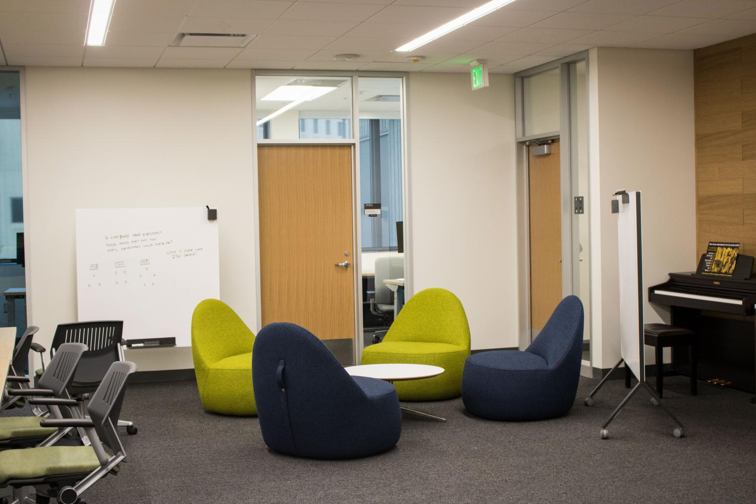 Honors+College+suite+in+Founders+Hall+offers+space+for+students+to+collaborate.+