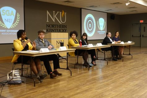 SGA Presidential candidates discuss their platforms at the debate.