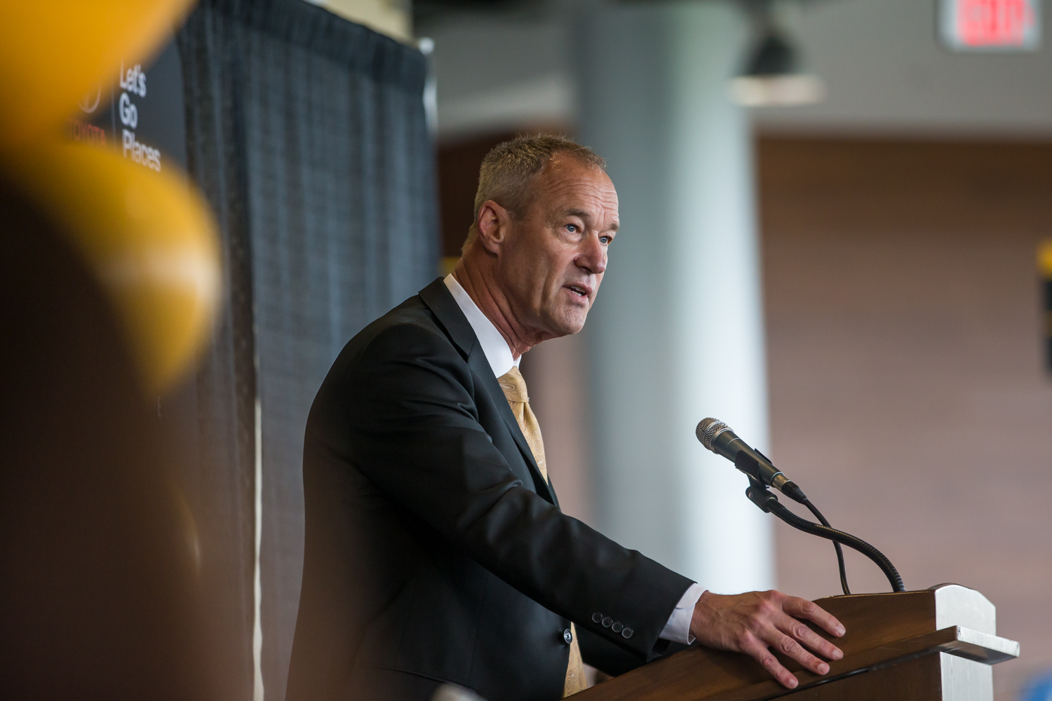 NKU+President+Ken+Bothof+gives+his+remarks+during+the+press+conference+for+the+welcoming+of+the+new+Men%27s+Basketball+Head+Coach+Darrin+Horn.