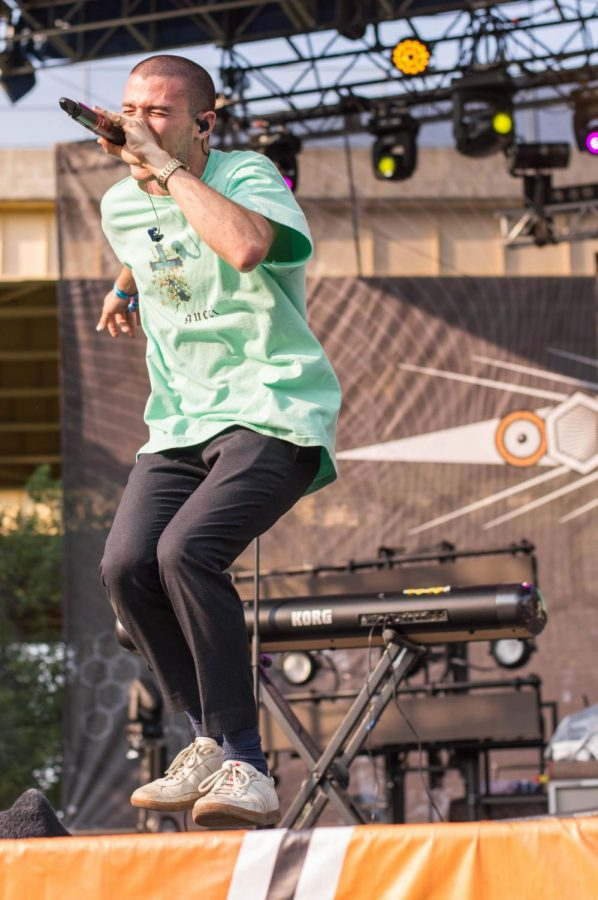 Pop singer Jeremy Zucker performed at Bunbury on Saturday.