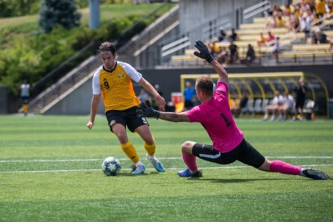 Men's soccer dominates Tiffin in exhibition 5-1