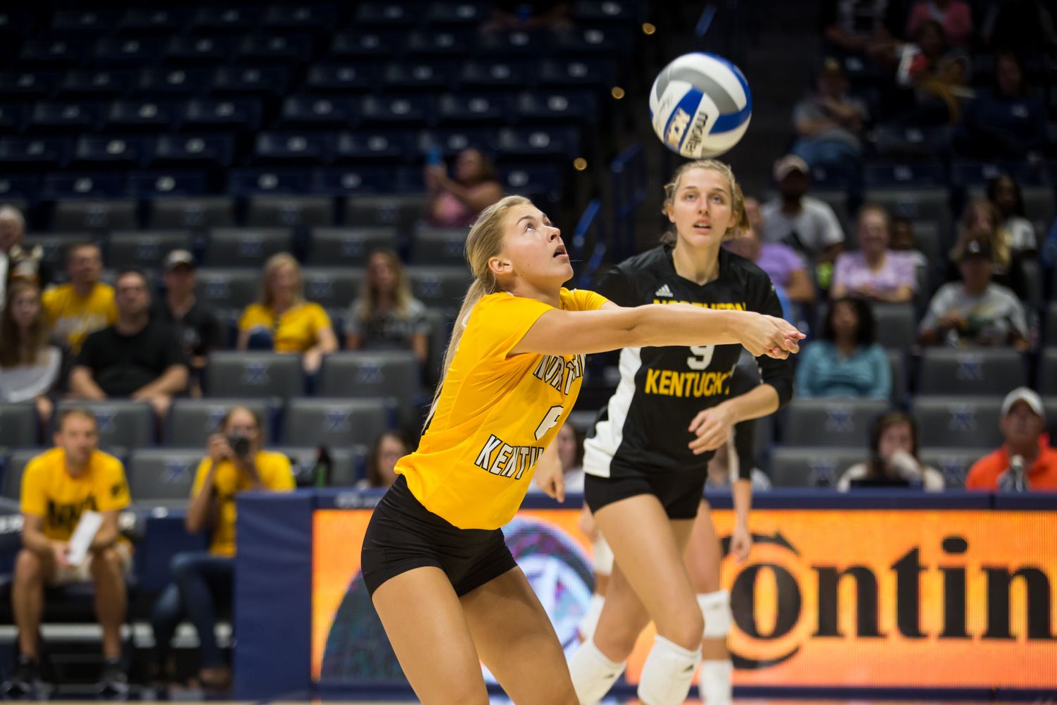 Ashton+Terrill+%286%29+gets+a+hit+during+the+game+against+Xavier.+The+Norse+won+taking+3+of+4+sets.
