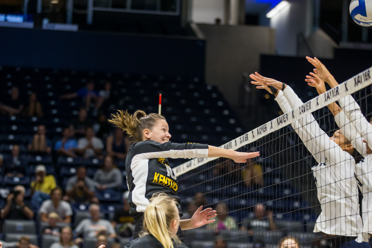 Bailey+Western+%2810%29+hits+the+ball+over+the+net+during+the+game+against+Xavier.+The+Norse+defeated+the+Musketeers+and+took+3+of+4+sets.
