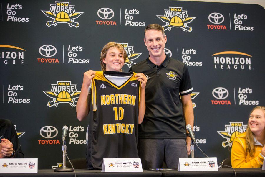 Men's Basketball signs team IMPACT player Elijah Walters