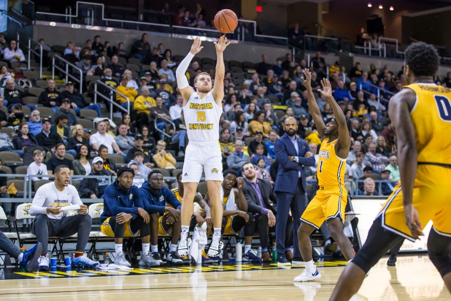 Tyler+Sharpe+%2815%29+shoots+during+the+game+against+Coppin+State+on+Sunday+Afternoon.+Sharpe+shot+8-of-17+on+the+game+and+6-of-12+from+three.