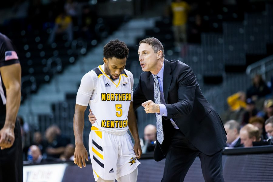 Men's Basketball Head Coach Darrin Horn  talks to Bryson Langdon (5) during a free throw during the game against Texas Southern.