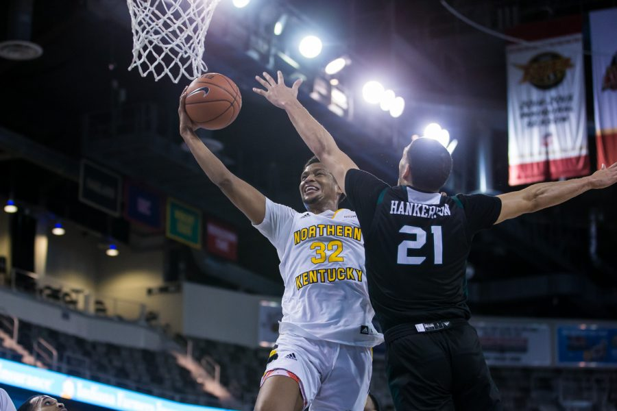 Dantez Walton (32) goes up for a lay up during the Semi-Final game of the Horizon League Tournament against Green Bay. The Norse defeated Green Bay 80-69 and move on the face UIC in the final round of the Horizon League Tournament.