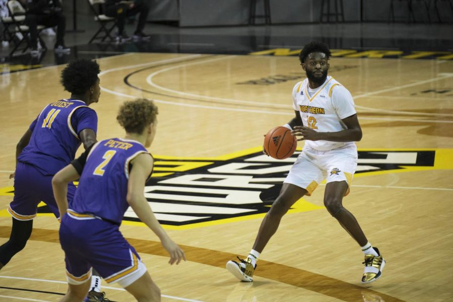 Trevon Faulkner dribbles the ball on the perimeter against Tennessee Tech. Faulkner recorded six steals in the contest.