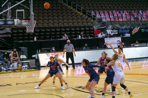 Lindsey Duvall shoots a free throw during NKU