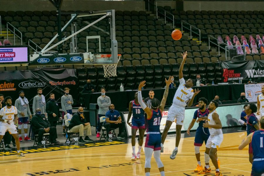 Marques Warrick shoots a floater in the lane against Detroit Mercy in the Horizon League Tournament quarterfinals.