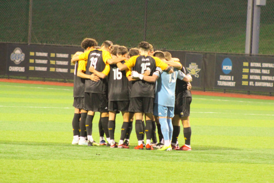 The NKU mens soccer starters huddle just before kickoff on Wednesday against IUPUI.