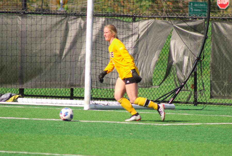 NKU goalkeeper Mimi Stines plays a ball in the box during Green Bays 1-0 win over NKU on Saturday.
